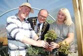 Mayor praises new community garden